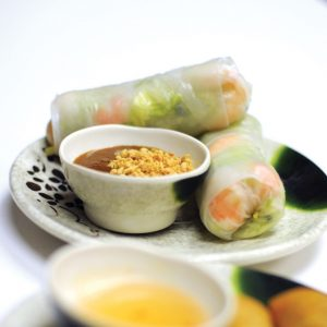 Lettuce, mint & steamed shrimp wrapped in rice paper. (2 per order)
